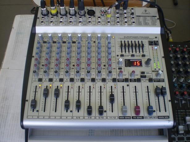 Mesa amplificada behringer europower pmh 1000 testes de for Mesas behringer